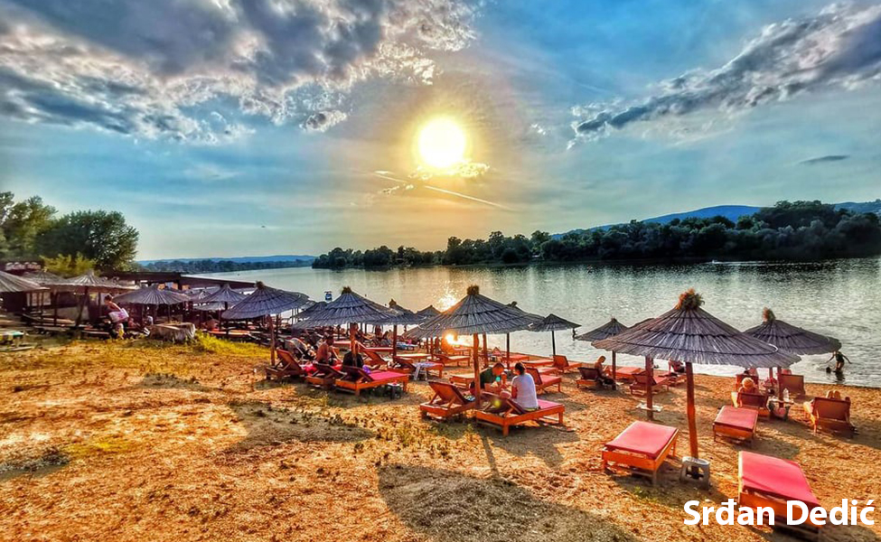 Srebrno jezero plaža