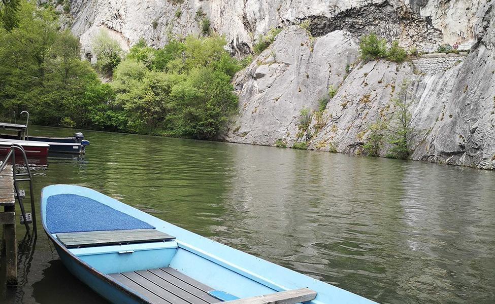 Čamci u Ovčar Banji