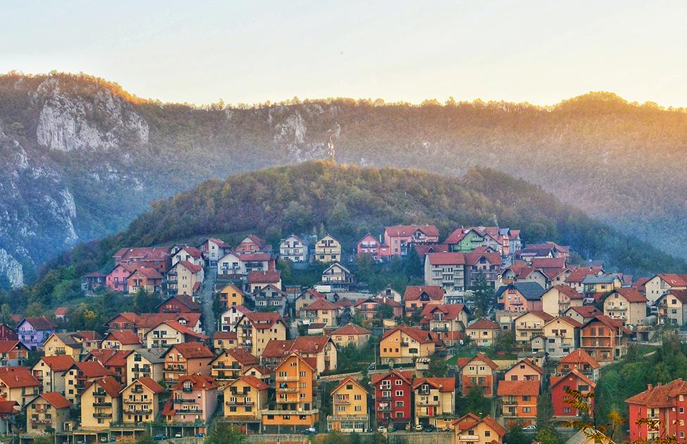 Autentične kuće na brdima Užica