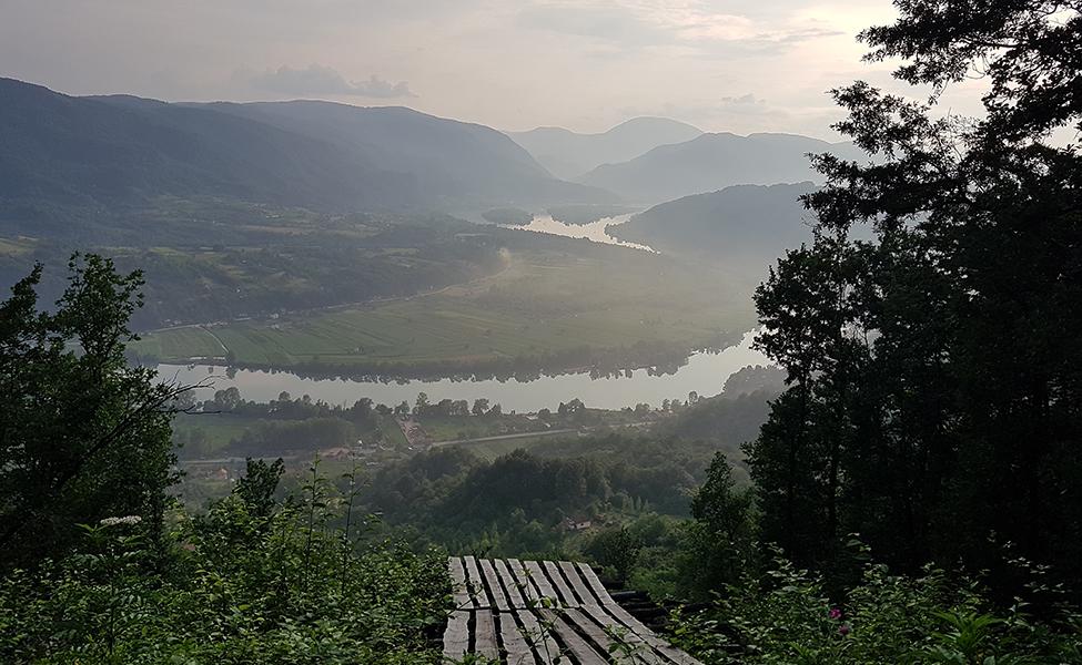 Pogled na sve lepote reke Drine i okoline