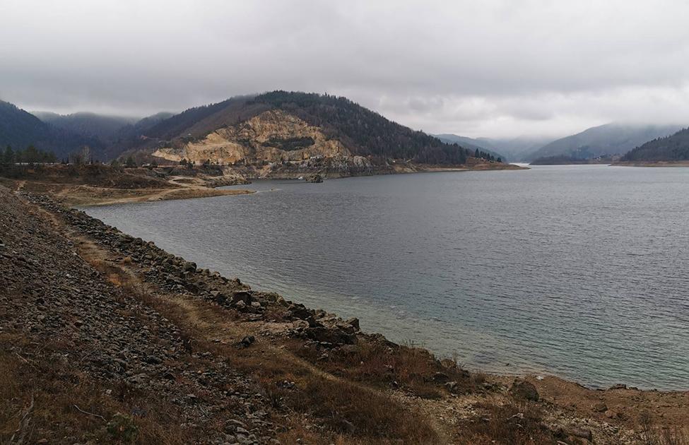 Zaovinsko jezero u Nacionalnom parku tara