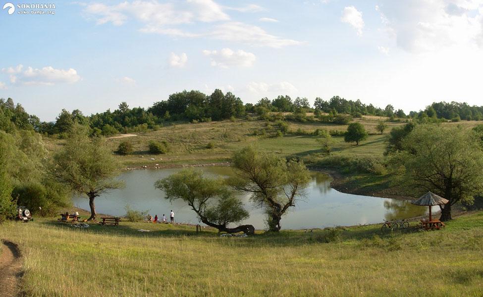 Selo Vrmdža - Jezero