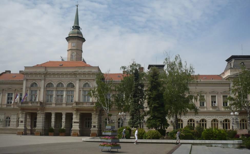 Glavni trg u Bečeju i Gradska kuća