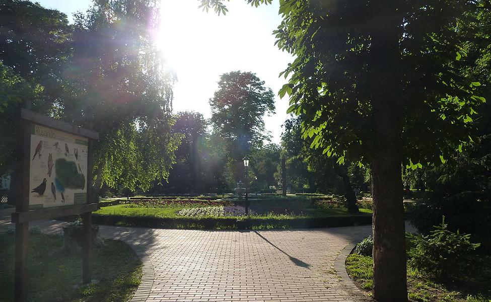 Banja Rusanda i njen cvetni trg u centru banje