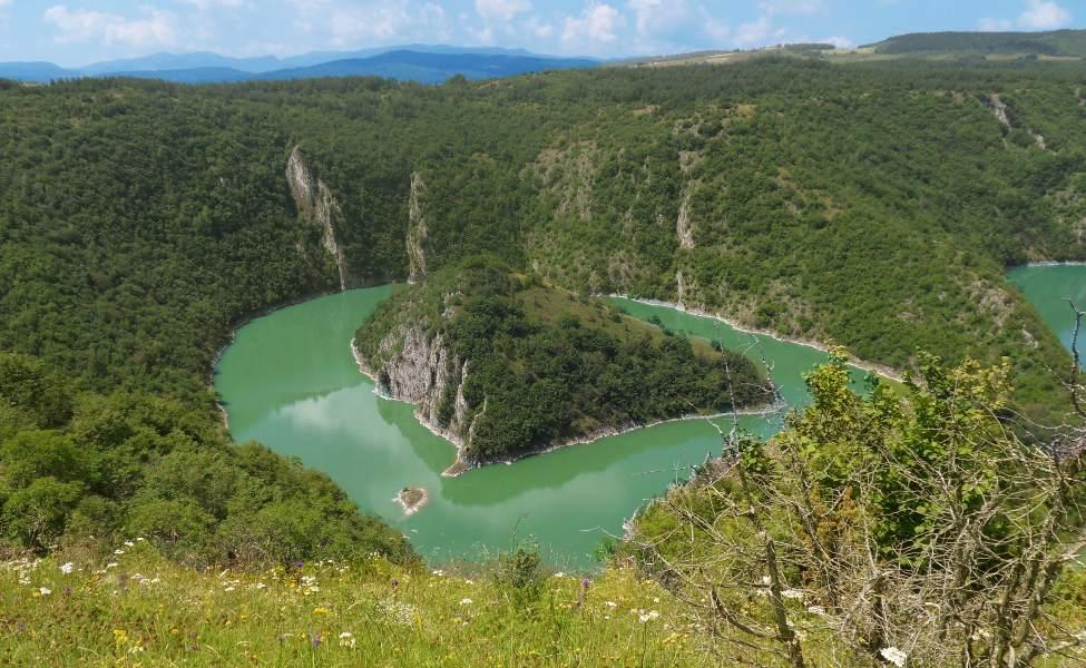 Ostrvo u obliku srca u srcu kanjona reke Uvac