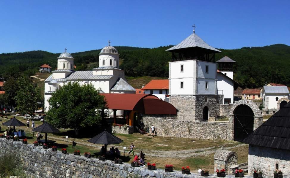 Manastir Mileševa sa mostića na rečici Mileševki