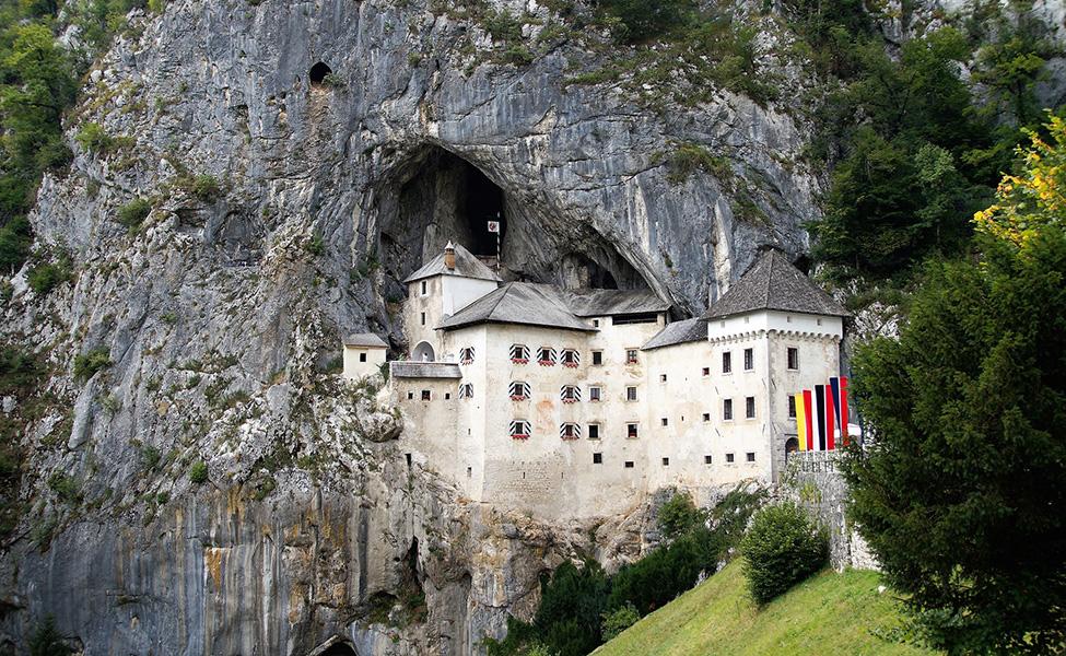 Prejama castle