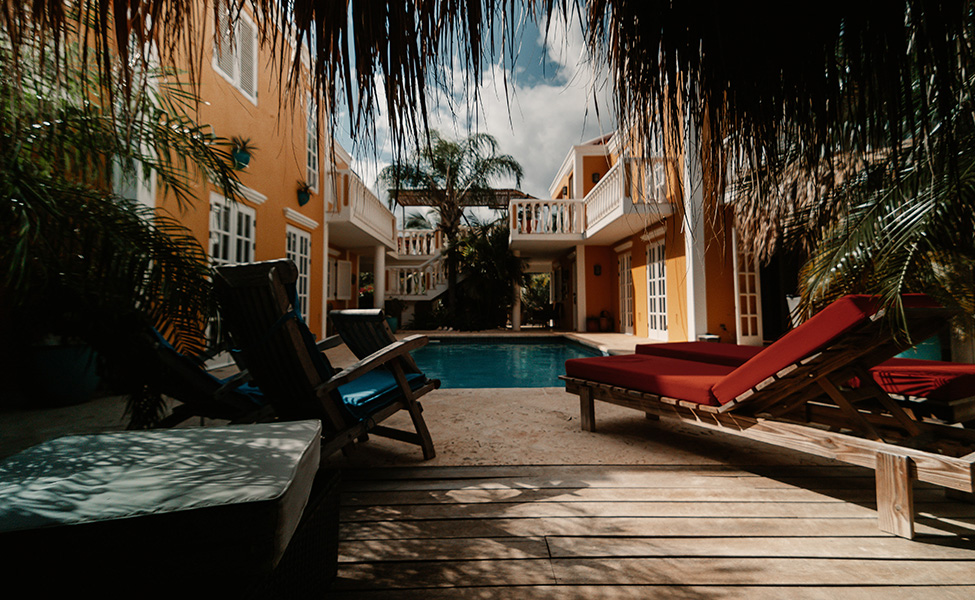 accommodation with pool in the Caribbean