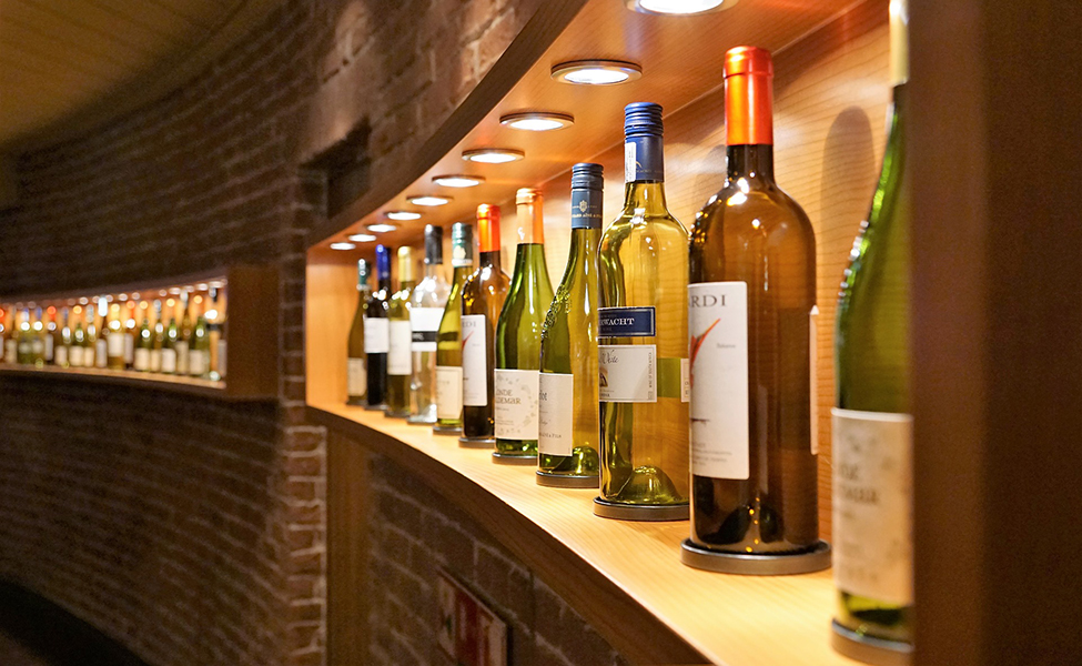 Vino u vinarijama