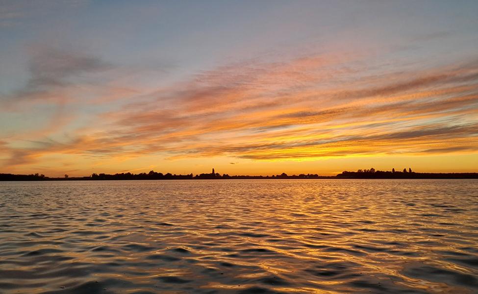 Jezero Palić u momentu zalaska sunca