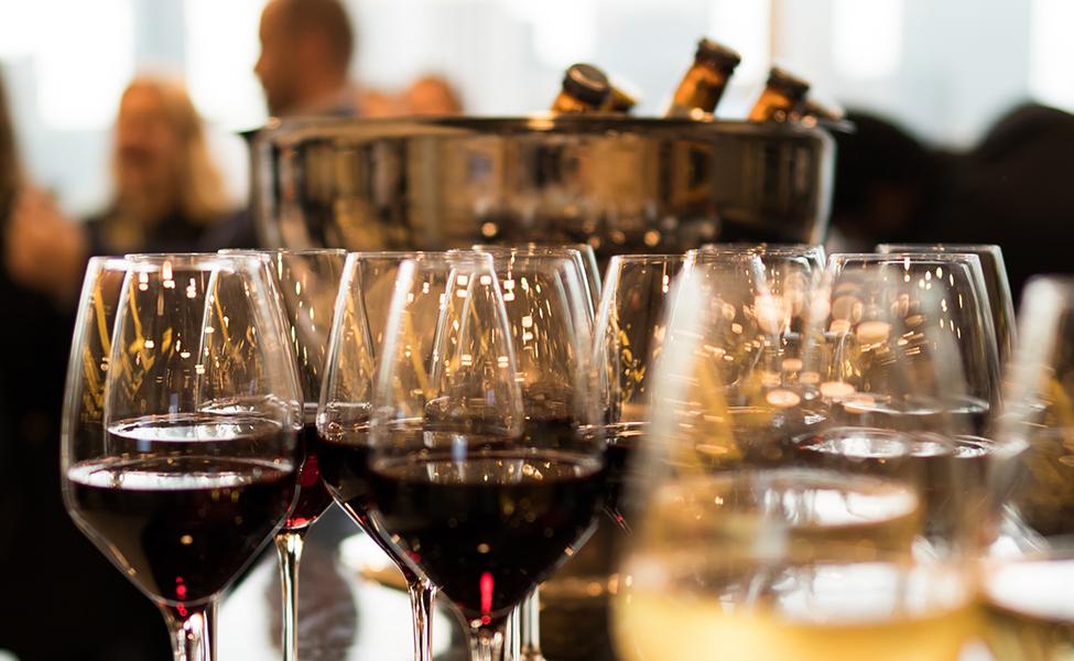 različite sorte vina, sortirane u čašama