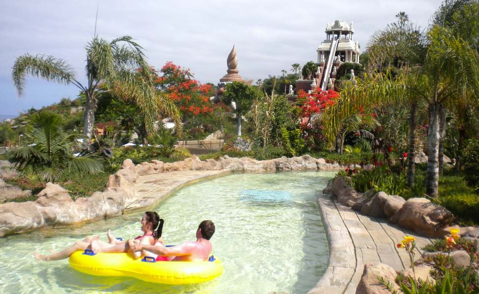 A ride down Siam Park's Lazy River with the thematical Thai architecture as a backdrop