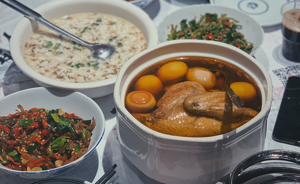 The best food in China, many Chinese meals on the table