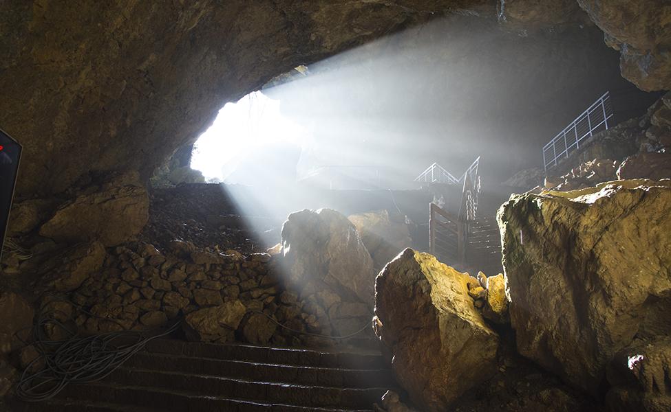 Pećina u Srbiji sa svojim tunelima i svetlima