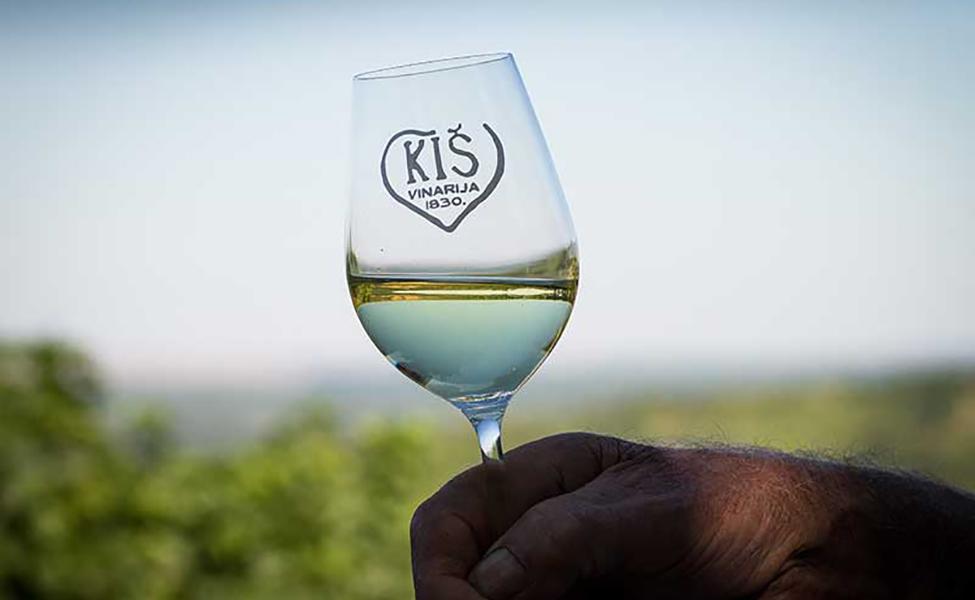 Vinska čaša vinarije Kiš