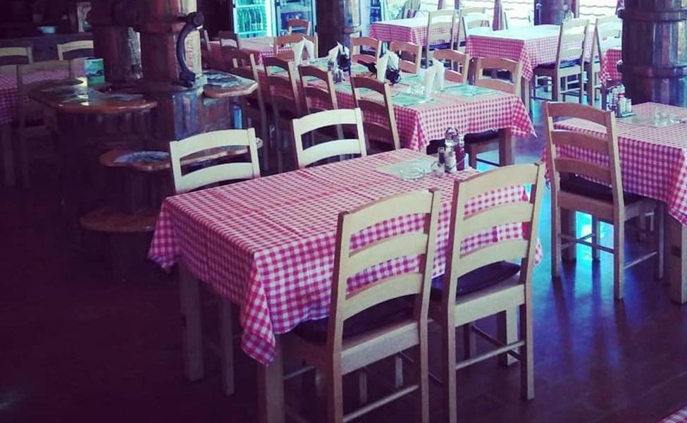 Unutrašnjost restorana Homoljka Vrata