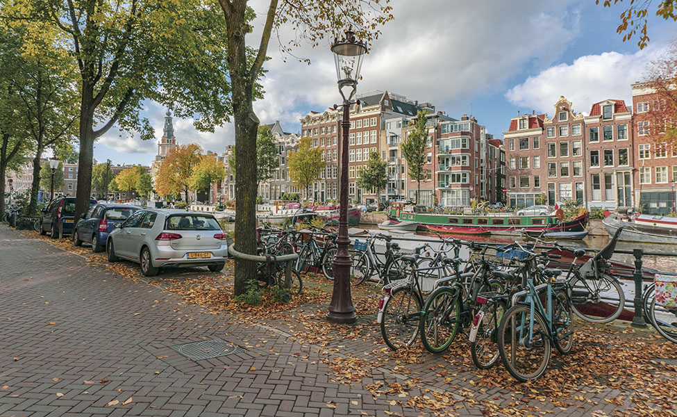 Cycling in Amsterdam, picture of bikes