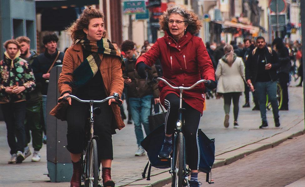 People taking bike tours