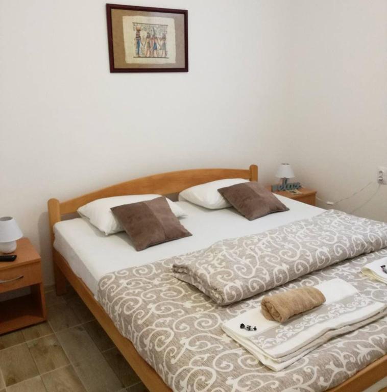Soba 4 Maja - bračni krevet