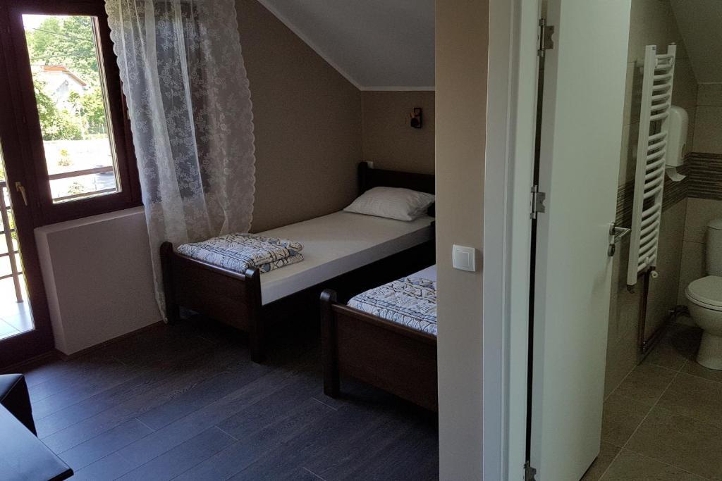 Simic dvokrevetna soba 2